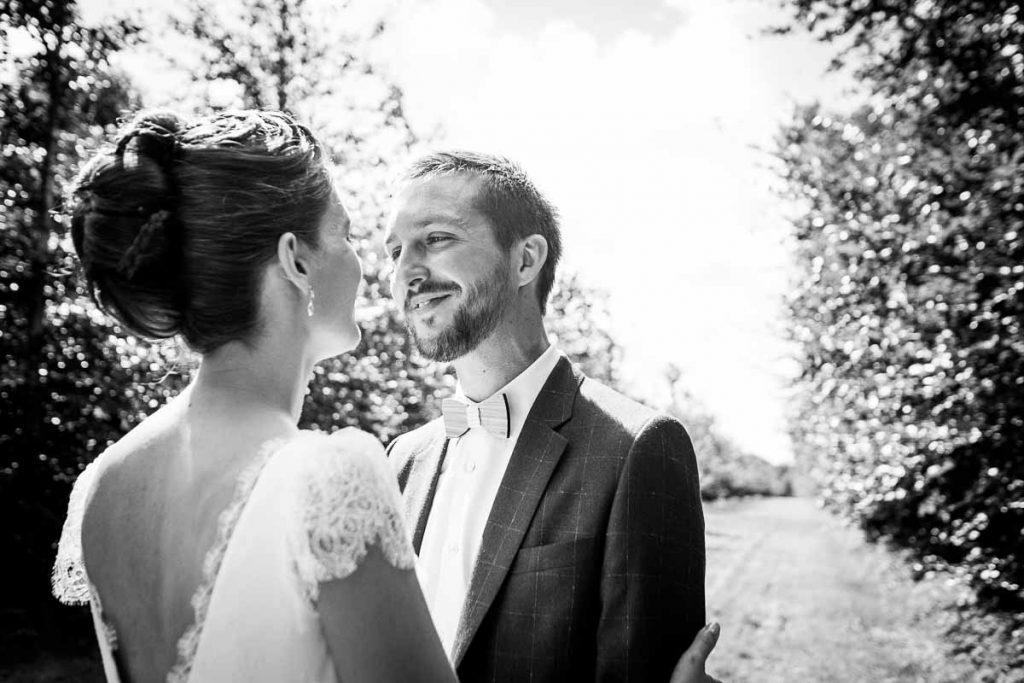 MARIAGE NORMANDIE photo de couple noir et blanc