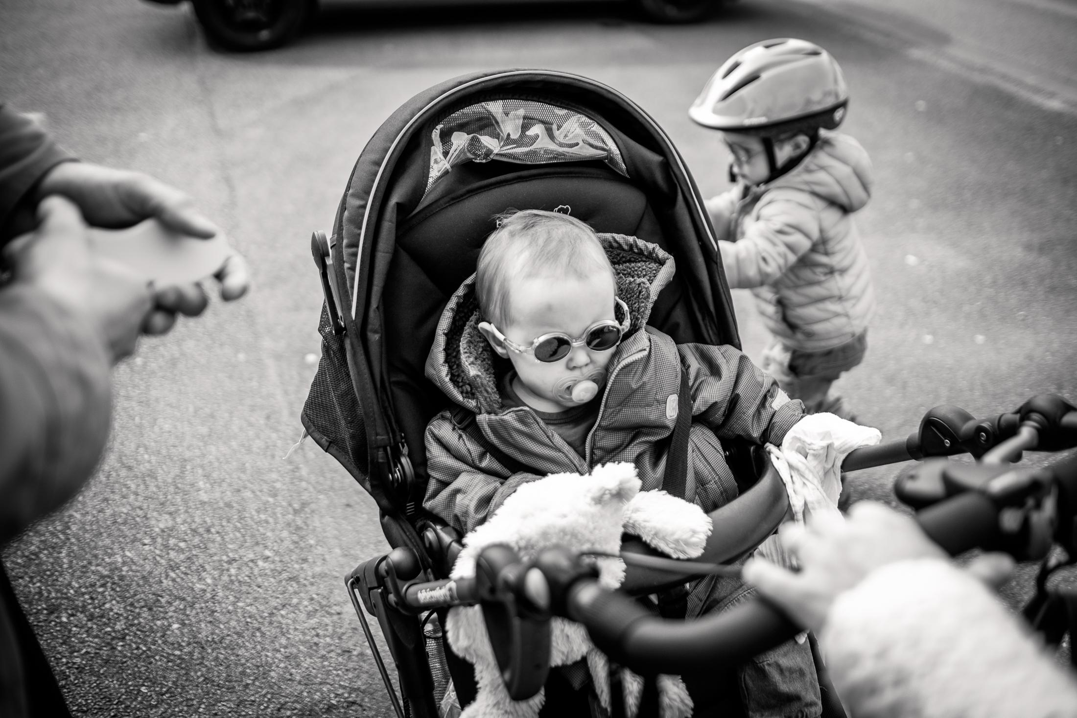 prestations photographe famille sortie au parc en famille