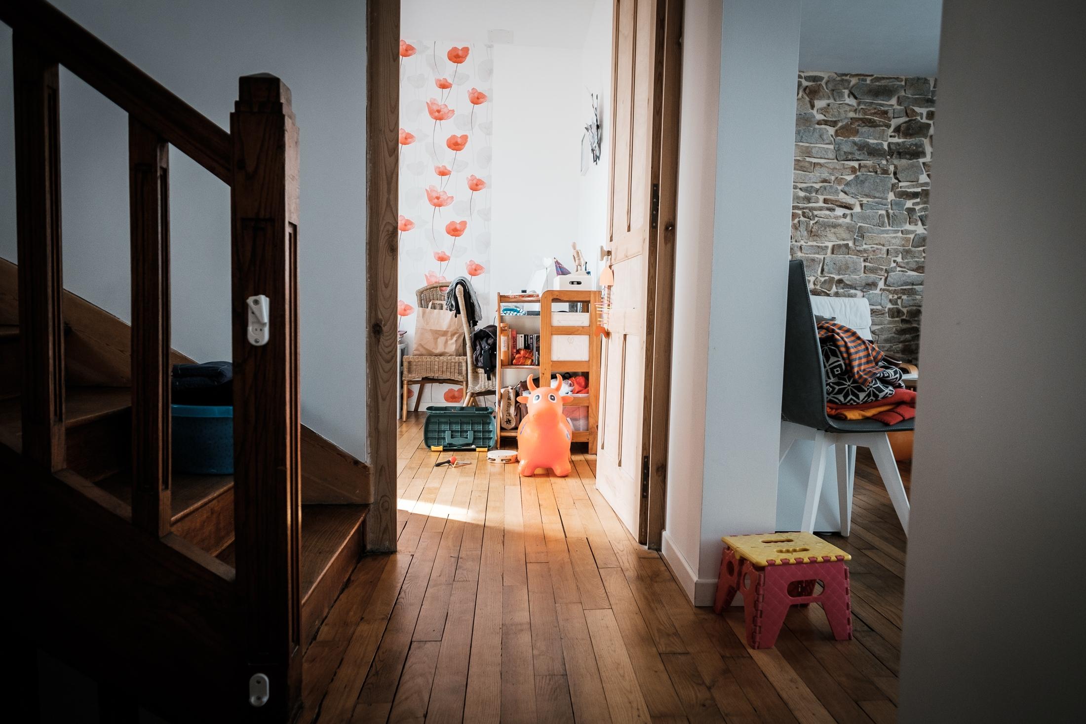 prestations photographe famille nature morte chambre d'enfant