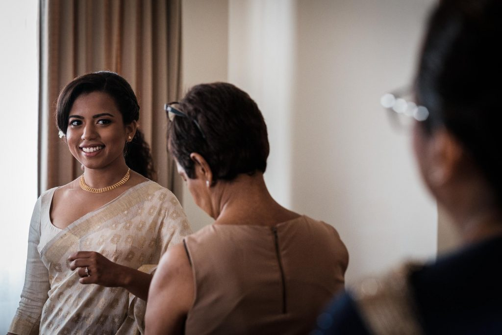 photographe mariage srilanka wedding photographer srilanka bride getting ready galle face hotel