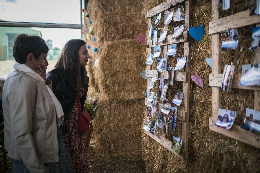 les invités découvrent les photos des evjf et erg