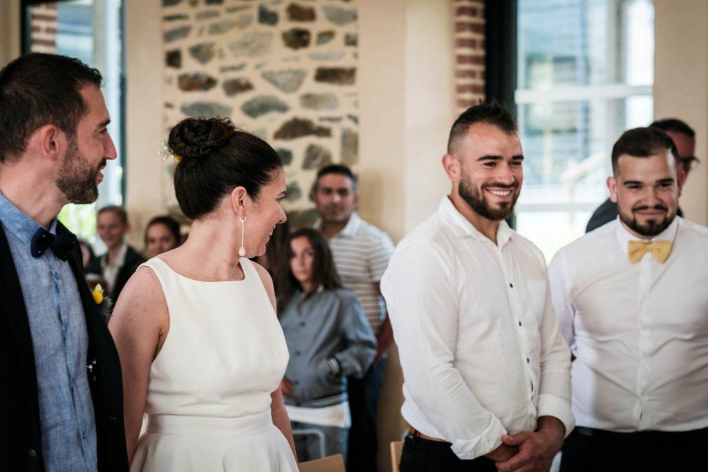 les frères de la mariée lors de la cérémonie civile