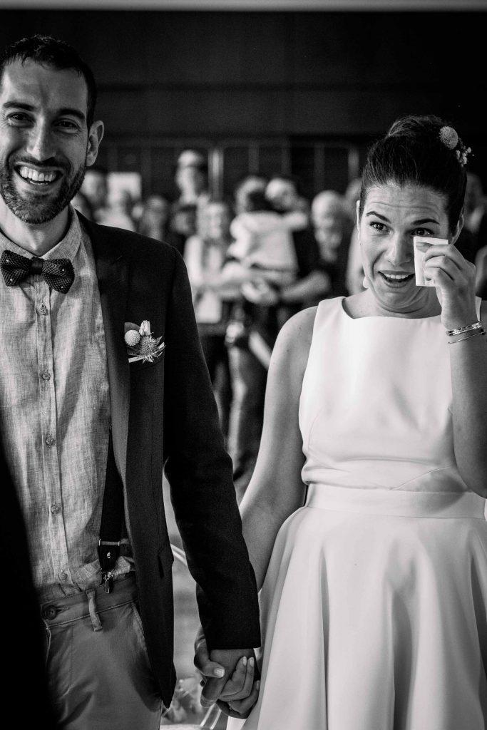 émotion des mariés en entendant le discours du témoin