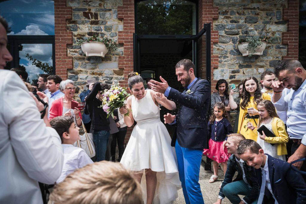 lavande séchée lancée aux mariés à la fin de la cérémonie