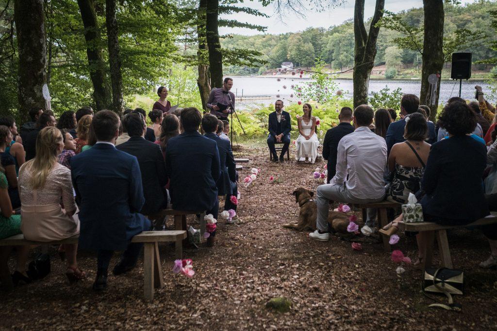 photographe mariage étangs de taysse cérémonie laïque vue sur l'étang
