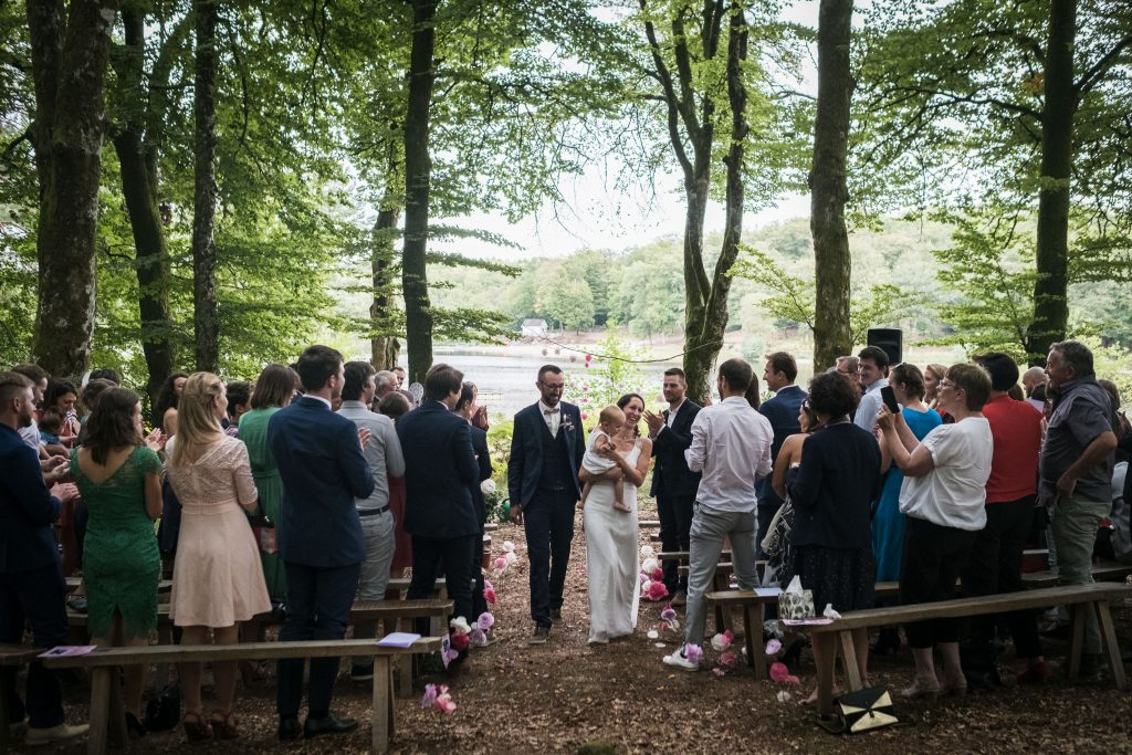 photographe mariage étangs de taysse fin de cérémonie laïque