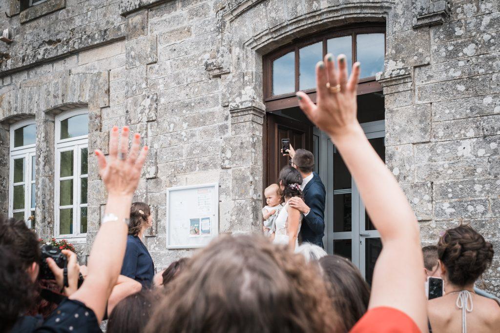 photographe mariage étangs de taysse selfie des mariés