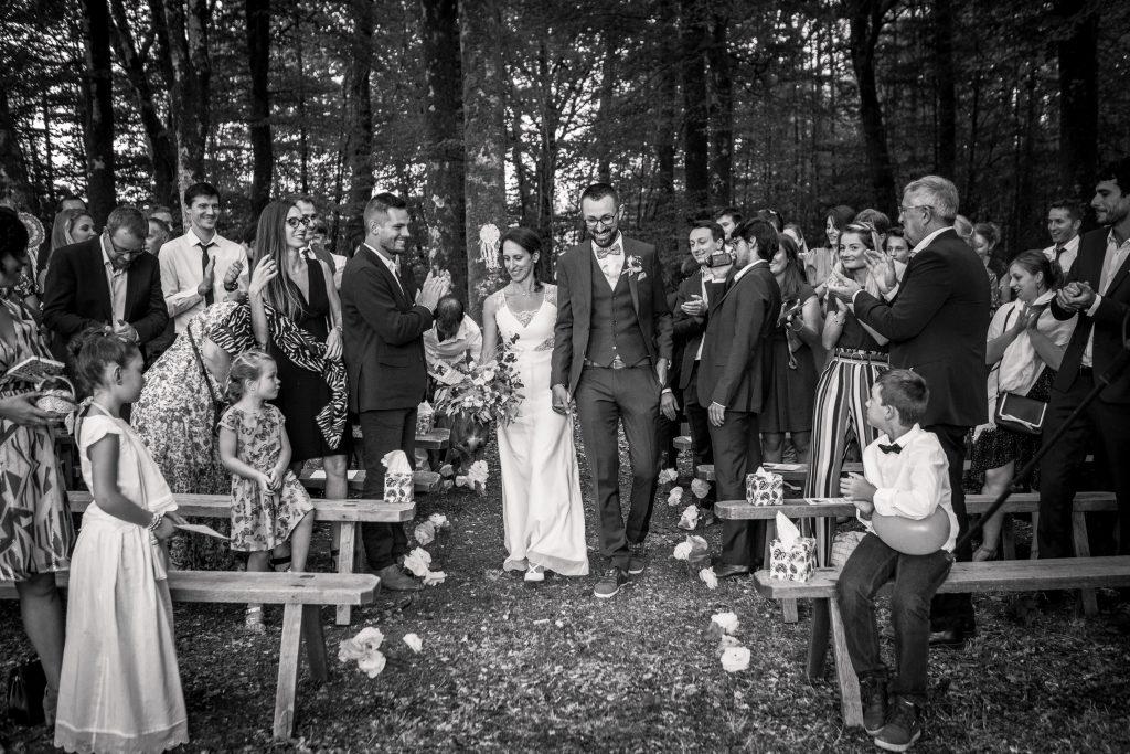 photographe mariage étangs de taysse arrivée des mariés cérémonie laïque